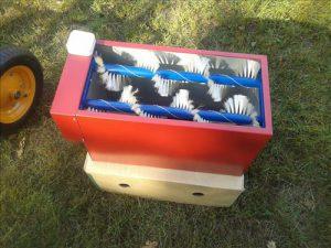 пристрій для змітання бджіл з рамок Бджолярський Круг 2016