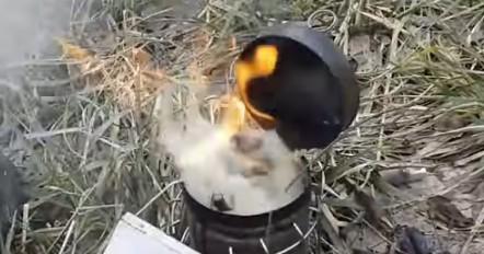 Розпалювання пасічного димаря швидкий метод
