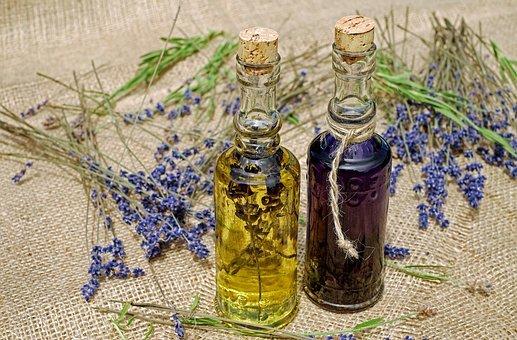 Лаванда як бізнес, лавандове масло, ефірна олія, ефірна олія лаванди
